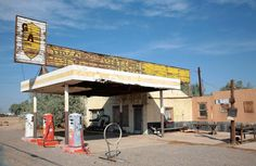 mojave-craig: An abandoned gas station on historic Route 66 in Newberry Springs, California, 20 miles east of Barstow Old Route 66, Route 66 Road Trip, Historic Route 66, Abandoned Churches, Abandoned Places, Newberry Springs, Salton Sea California, Vintage Gas Pumps, Old Gas Stations