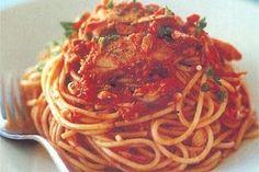 Ingrediente: -o conserva de ton in ulei  -400 gr sucrosii  -100 ml apa  -doi cateiusturoi  -o ceapa  -busuioc  -o lingura zahar  -sare si... Ethnic Recipes, Food, Salads, Essen, Meals, Yemek, Eten
