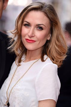 Katherine Kelly – The Olivier Awards 2015 in London Coronation Street Cast, Red Lipstick Quotes, Catherine Tyldesley, Kelly Cut, Carol Kirkwood, Katherine Kelly, Global Hair, Woman Wine, Celebrity Hairstyles