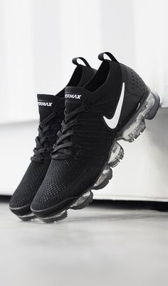 low priced ccc70 25f42 Nike Air Vapormax Flyknit   Follow  XxSneakerHeadsxX for more poppin pins  👌🏼💯 Fresh