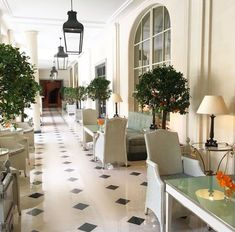 Le Bristol Paris (@LeBristolParis) | Twitter Le Bristol Paris, Paris Hotels, Travel And Leisure, French Art, Best Hotels, Table Decorations, Paris France, Furniture, Twitter