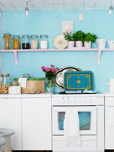 Feather and Nest: What's Your Kitchen Style?