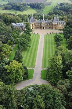 Waddesdon Manor ❤•♥.•:*´¨`*:•♥•❤ a French château in Buckinghamshire.