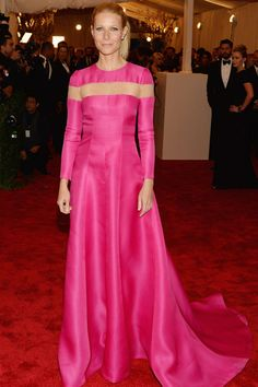 Gwyneth Paltrow wears Valentino @ The Met Gala Red Carpet 2013.