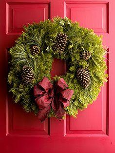 As guirlandas tem um papel importante na decoração das festas. São uma recepção, a boas vindas que sua casa pode dar aos convidados. Por iss...