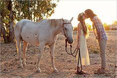 Trendy Wedding, blog idées et inspirations mariage ♥ French Wedding Blog: Quand les mariés prennent la pose...