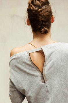 Love the zipper down the back!