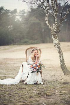 Styling Setting & Boeket: Thanea, MUAH: Kimberley Megens, Model: Lieke van Gent, Bruidsjurk: Mariage Bruidsmode, Fotografie: Jessica Fotografie