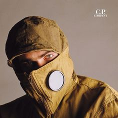#CPCompany 1986 EXPLORER Field Jacket  #MassimoOsti took Inspiration from a protective hood worn by the Japanese Civil Defence. The Iconic Explorer remains an integral part of our research.