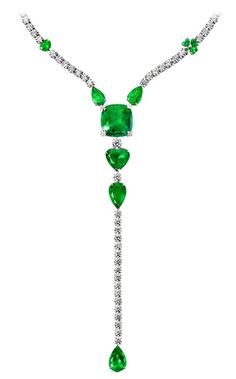 Piaget Limelight Party necklace in platinum, set with one cushion-cut emerald (approx. 26 ct), 17 emeralds (approx. 0.39 ct) and 170 brilliant-cut diamonds (approx. 34.21 ct).