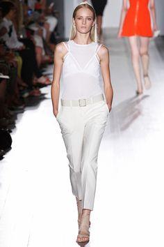 La primavera invita a lucir los tobillos. ¡Bienvenidos los cropped pants!   http://www.vogue.mx/articulos/pantalon-al-tobillo/2058#