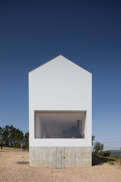 The rural dwelling in central Portugal by João Mendes Ribeiro Arquitecto