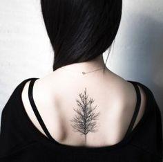 Tree tattoo on back by Hongdam