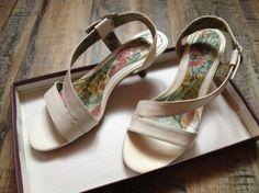 AFFAIRE DE STYLE Sandales à talons http://www.videdressing.com/sandales-a-talons/affaire-de-style/p-3388220.html?&utm_medium=social_network&utm_campaign=FR_femme_chaussures_sandales__nu_pieds_3388220