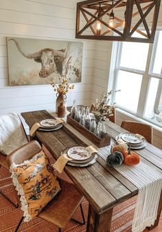 Fall decor – Western Home Decor Fall Home Western 785244885014960497 What is Decoration? Decoration could be the art of decorating … Fall Home Decor, Autumn Home, Home Decor Items, Barndominium, Decoration Design, Decor Interior Design, Interior Office, Diy Interior, Feng Shui