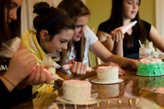 Cake Decorating Party. THIS WOULD BE THE BEST PARTY EVER (because I love cake so so much)