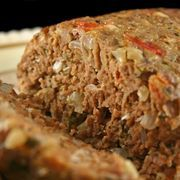 The modern American meatloaf -- made with raw meat -- became an established meal in the 1950s. It was usually paired with mashed potatoes, gravy and canned green beans. Cooking meatloaf in a pressure cooker cuts the time in half, and the result tastes the same as oven-baked. Cooking meatloaf in a pressure cooker can provide your family with a...
