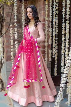 Looking to buy designer wear on a budget for upcoming weddings? Then check out some gorgeous Lehenga Under by Rishi and Vibhuti. Indian Fashion Dresses, Indian Gowns Dresses, Dress Indian Style, Indian Designer Outfits, Indian Wear, Party Wear Indian Dresses, Bridal Dresses, Designer Party Wear Dresses, Kurti Designs Party Wear