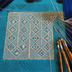 Bobbin Lace Walkthrough, Part Three - Pin Coffee Lace Weave, Bobbin Lacemaking, Bobbin Lace Patterns, Loom Patterns, Types Of Lace, Lace Art, Tatting Lace, Needle Lace, Lace Embroidery