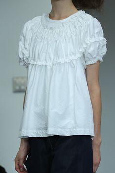 [No.9/70] tricot COMME des GARÇONS 2013春夏コレクション   Fashionsnap.com