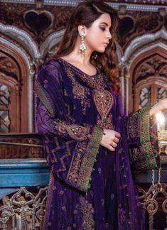 Pakistani Designer Chiffon Dress by Maria B Purple Color Model # Pakistani Formal Dresses, Pakistani Party Wear, Pakistani Dress Design, Pakistani Designers, Pakistani Outfits, Indian Dresses, Walima Dress, Net Gowns, Casual Dresses