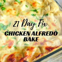 21 Day Fix Chicken Alfredo Bake One of the biggest challenges I had when I was converting my husband to the clean eating lifestyle was Alfredo sauce….His favorite pasta dish is Fet. Pollo Alfredo, Alfredo Sauce, Baked Chicken Fettucini Alfredo, Chicken Alfredo Soup Recipe, Chicken Recipes, Chicken Meals, Healthy Chicken, Crockpot Recipes, 21 Day Fix Diet