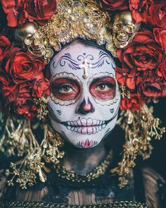 Red & gold catrina day of the dead large gothic headdress Candy Skull Makeup, Halloween Makeup Sugar Skull, Candy Skulls, Ghost Costumes, Skeleton Costumes, Halloween Costumes, Halloween Labels, Halloween Stuff, Halloween Halloween