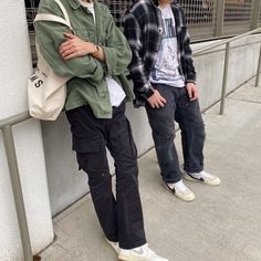 Pin by Beatrizhoco on outfits in 2020 Urban Style Outfits, Indie Outfits, Retro Outfits, Male Outfits, T Shirt Streetwear, Top Streetwear Brands, Mens Streetwear Fashion, Urban Fashion, Boy Fashion