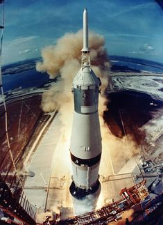 """American astronauts Neil Armstrong, Edwin """"Buzz"""" Aldrin and Michael Collins lift off from Kennedy Space Center, Florida, in the mammoth-sized Saturn V rocket on their way to the moon during the Apollo 11 mission in 1969 Mission Apollo 11, Apollo 11 Launch, Apollo Moon Missions, Apollo 11 Moon Landing, Apollo Nasa, Neil Armstrong, Michael Collins, Space Shuttle, Programa Apollo"""