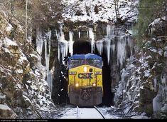 RailPictures.Net Photo: CSXT 521 CSX Transportation (CSXT) GE AC4400CW at Mt. Hope, West Virginia by Chase Gunnoe