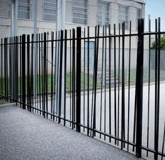 5 All Time Best Tips: Steel Fence Horizontal black fence diy.Garden Fence Blue b. 5 All Time Best Green Fence, Black Fence, White Fence, Aluminum Fence, Metal Fence, Metal Railings, Fence Stain, Pallet Fence, Concrete Fence