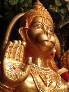 If you get troubled by anybody and want to be relieved from his troubles then chant the Hanuman Mantra. Mantra recited daily 108 times for 40 days. Hanuman Murti, Hanuman Jayanthi, Lord Hanuman Wallpapers, Lord Shiva Hd Wallpaper, Jai Hanuman Images, Lord Shiva Family, Shiva Shakti, Hindu Deities, Indian Gods