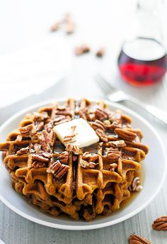 The best of both worlds - pumpkin and pecan pie in waffle form! These pumpkin spiced pecan waffles are like eating pie for breakfast, with no guilt!