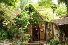 浜名湖 ぬくもりの森 静岡 Nukumori Forest, Shizuoka Japanese Modern House, Cute Cafe, Witch House, Cabins And Cottages, Balcony Garden, My Dream Home, Garden Design, Scenery, Home And Garden