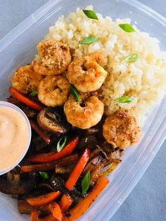 Old Bay Shrimp Cauliflower Rice Bowls - Clean Eating Recipes - Cavolfiore Lunch Recipes, Seafood Recipes, Whole Food Recipes, Healthy Meal Prep, Healthy Snacks, Healthy Recipes, Easy Cooking, Cooking Recipes, Clean Eating Snacks