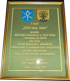 Haftowany dyplom pamiątkowy, okolicznościowy, prezent od Gminy, oprawiony w ramę ze szkłem do wręczenia podczas uroczystości jest znacznie ładniejszy od dyplomu drukowanego. Jest możliwość zamówienia dowolnego dyplomu.