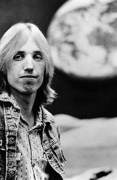 Tom Petty, possibly experiencing Full Moon Fever