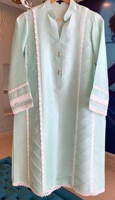 Simple Kurti Designs, New Kurti Designs, Kurta Designs Women, Kurti Designs Party Wear, Stylish Dress Book, Stylish Dresses For Girls, Pakistani Fashion Party Wear, Pakistani Dresses Casual, Fancy Dress Design