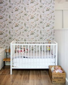 Osborne & Little wallpaper as used in the Bonpoint stores ?