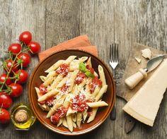 http://www.mindmegette.hu/Ínycsiklandó tésztaételek, rengeteg friss zöldség és gyümölcs, sőt, még hamburger és némi csokis finomság is szerepelhet az étrendjében. A lényeg a mértékletesség: így egészségesen és tartósan megszabadulhat a felesleges kilóktól.