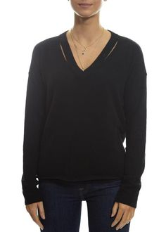 Never underestimate the power of a chunky knit and a cashmere cardigan when the temperature hits a low. Rose Clothing, Black Fabric, Sweater Weather, Knitwear, Cashmere, V Neck, Model, Sweaters, How To Wear