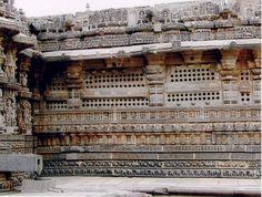 File:Wall Decoration at Kesava Temple in Somanathapura retouched.jpg