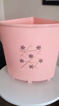 1000 images about very vtg kitchen trash cans on pinterest vintage metal metals and mid century - Pink kitchen trash can ...