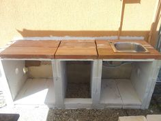 Seconda cucina esterna in muratura con forno a legna e ...