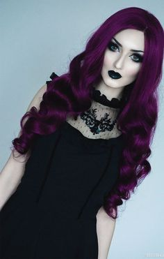 Obsidian Kerttu...I would be soooooo ecstatic if I was even a fraction as pretty as her