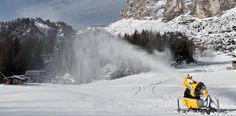 Technische Beschneiung in Colfosco-Alta Badia. Niagara Falls, Snow, Nature, Travel, Fake Snow, Naturaleza, Viajes, Destinations, Traveling