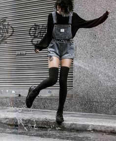 Best Picture For grunge goth fashion For Your Taste You are looking for something, and it is going t Soft Grunge Outfits, Grunge Fashion Soft, Grunge Dress, Grunge Clothes, Soft Grunge Clothing, Grunge Winter Outfits, Grunge Shoes, Style Clothes, Mode Grunge
