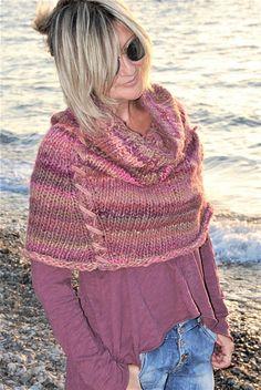 Capelet & neckwarmer / Καπελέτο και λαιμός Capelet, Neck Warmer, Plaid Scarf, Knitwear, Boho, Lifestyle, Crochet, Pattern, Handmade