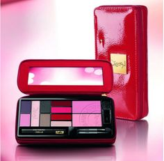 Yves Saint Laurent Extremely YSL Makeup Palette - All I want for Christmas :)