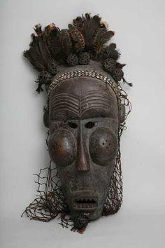 Salampasu, d`afrique : république dém. du Congo., statuette Salampasu, masque ancien africain Salampasu, art du république dém. du Congo. - Art Africain, statue africaine, Masque africain, l`Afrique au travers de ses masques africains et de ces statuettes africaines.